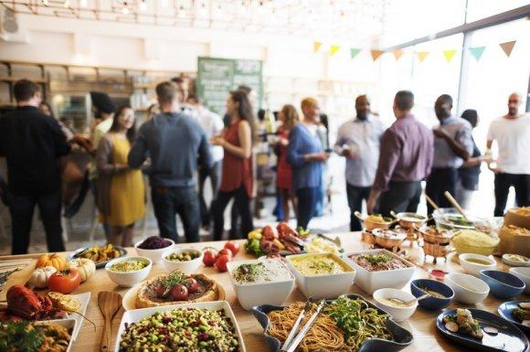 Menus et buffets sur mesure pour un événement d'entreprise à Cannes